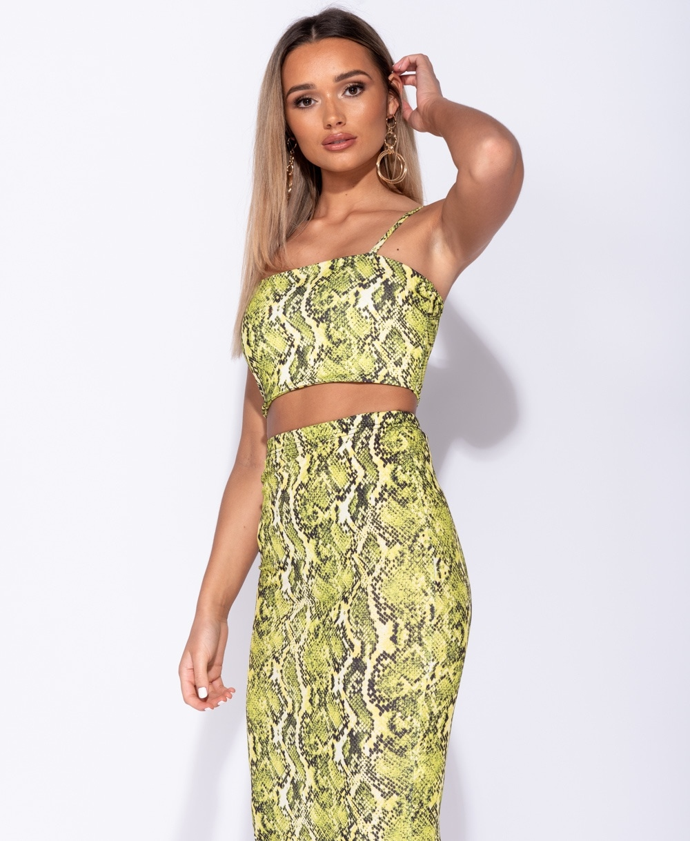 f0ca4201ffe834 Wholesale Snake Print Strappy Crop Top
